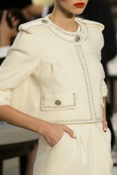 chanel-close-ups-fall-2015-couture-show-the-impression-101