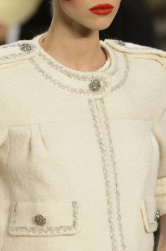 chanel-close-ups-fall-2015-couture-show-the-impression-102