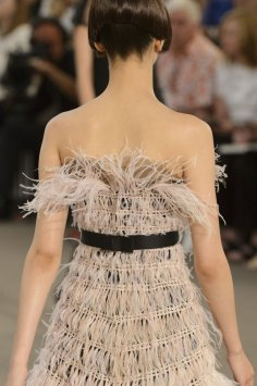 chanel-close-ups-fall-2015-couture-show-the-impression-139