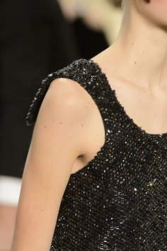chanel-close-ups-fall-2015-couture-show-the-impression-184
