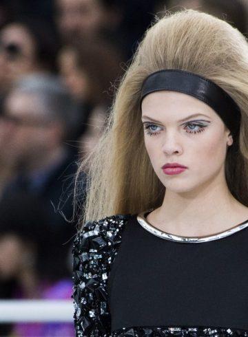 Chanel Fall 2017 Fashion Show Beauty