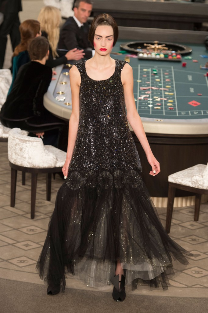 chanel-fall-2015-couture-show-the-impression-059