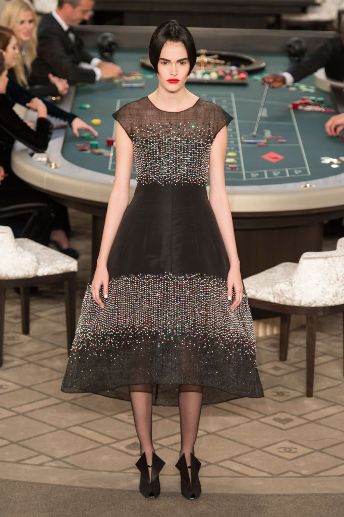chanel-fall-2015-couture-show-the-impression-065