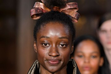 Edward Crutchley Spring 2018 Fashion Show Details