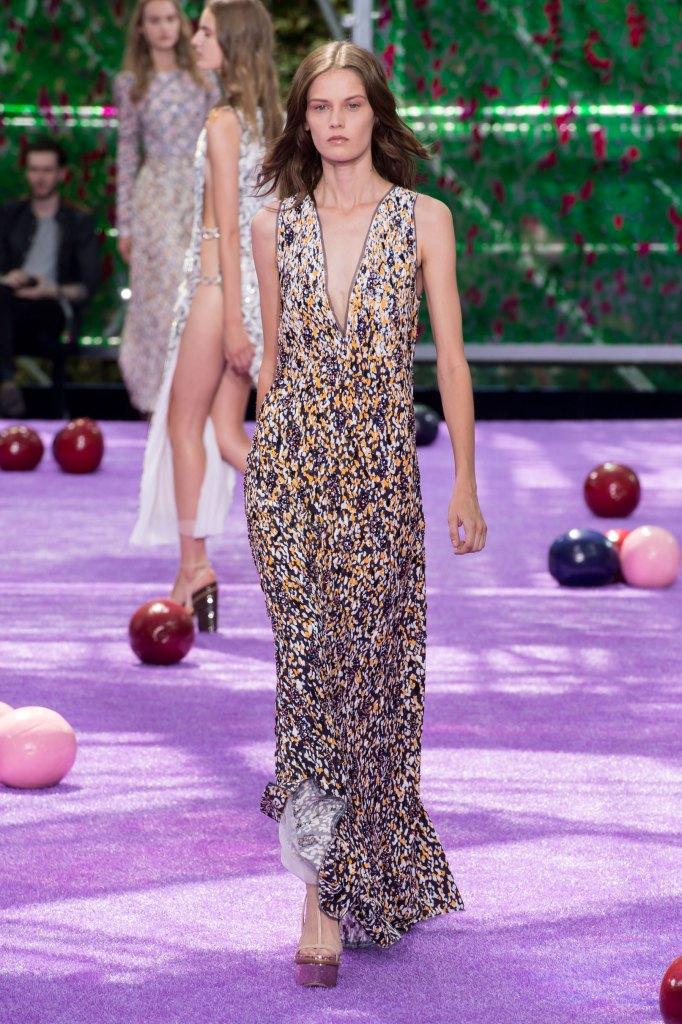 dior-fall-2015-couture-the-impression-041