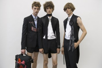 Dior Homme Spring 2018 Men's Fashion Show Backstage