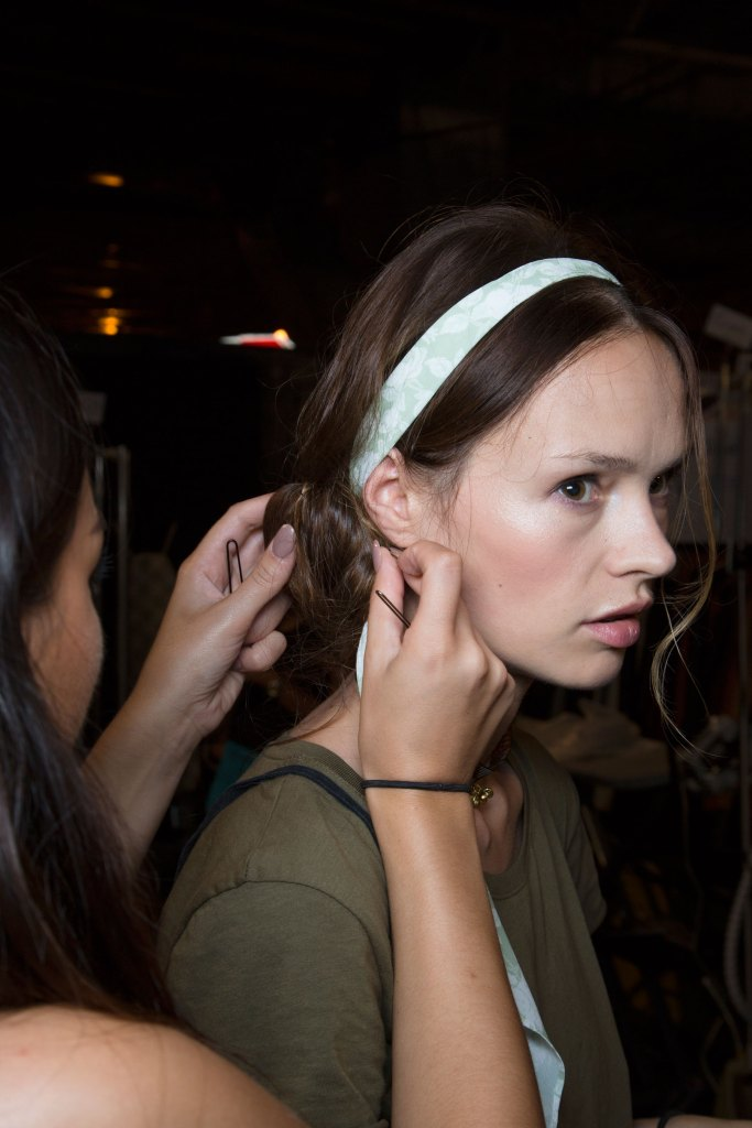 erin-fetherson-backstage-spring-2016-fashion-show-the-impression-54