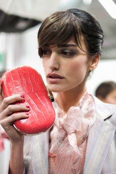 giorgio-armani-spring-2016-beauty-fashion-show-the-impression-01
