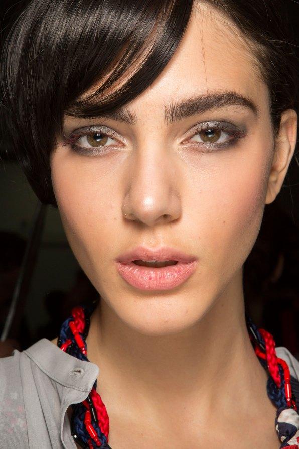 giorgio-armani-spring-2016-beauty-fashion-show-the-impression-04
