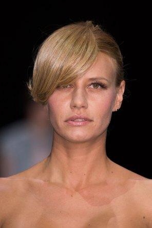 giorgio-armani-spring-2016-runway-beauty-fashion-show-the-impression-36