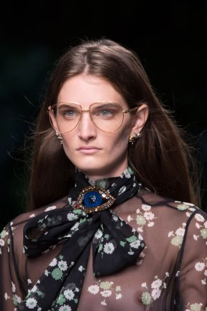 gucci-beauty-spring-2016-fashion-show-the-impression-039