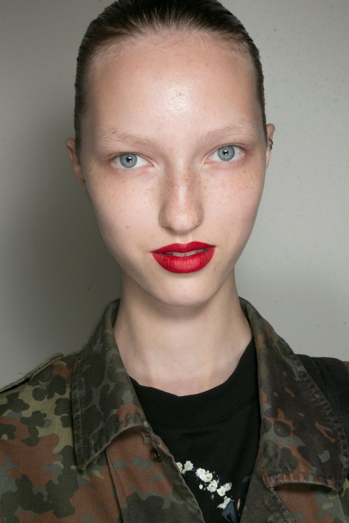 jason-wu-backstage-beauty-spring-2016-fashion-show-the-impression-14
