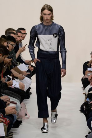 jw-anderson-spring-2016-mens-show-the-impression-04