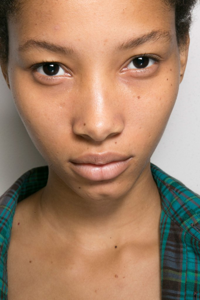lacoste-backstage-beauty-spring-2016-fashion-show-the-impression-04
