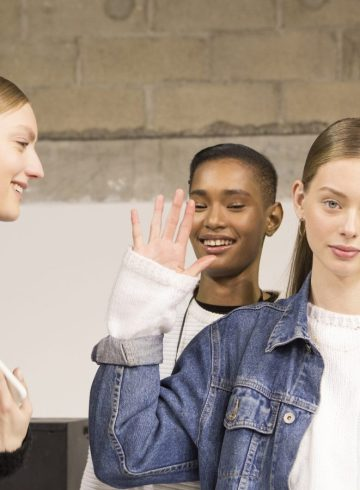 Guy Laroche Fall 2017 Fashion Show Backstage