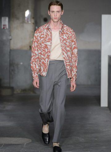 Lemaire Spring 2018 Men's Fashion Show