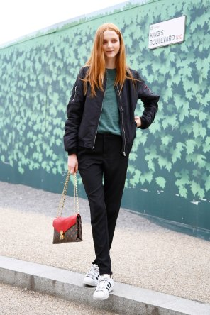 london-fashion-week-day-4-street-style-spring-2016-fashion-show-the-impression-001