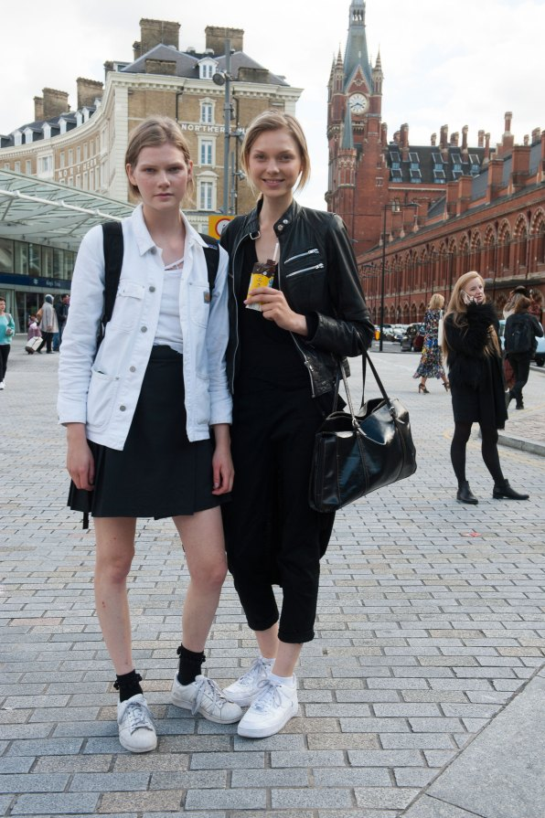 london-fashion-week-street-style-day-2-spring-2016-fashion-show-the-impression-023