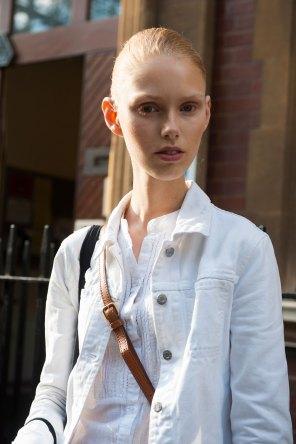 london-fashion-week-street-style-day-2-spring-2016-fashion-show-the-impression-031