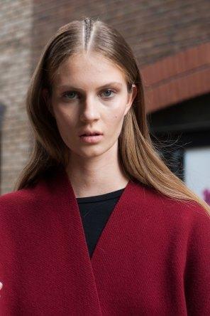london-fashion-week-street-style-day-2-spring-2016-fashion-show-the-impression-036