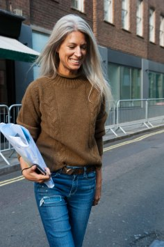 london-fashion-week-street-style-day-2-spring-2016-fashion-show-the-impression-051