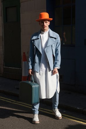 london-fashion-week-street-style-day-2-spring-2016-fashion-show-the-impression-053