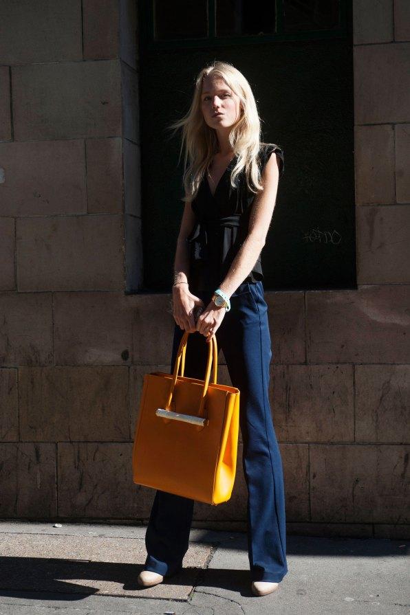 london-fashion-week-street-style-day-2-spring-2016-fashion-show-the-impression-060