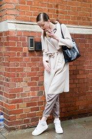 london-fashion-week-street-style-day-5-spring-2016-fashion-show-the-impression-015