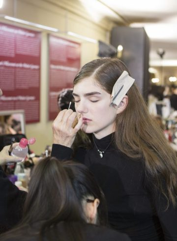 Stella McCartney Fall 2017 Fashion Show Backstage Beauty