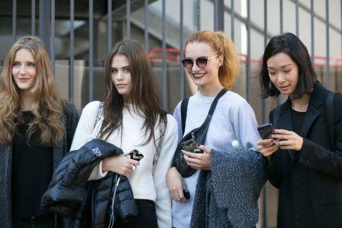 milan-fashion-week-street-style-day-3-september-2015-the-impression-016