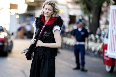 milan-fashion-week-street-style-day-3-september-2015-the-impression-050