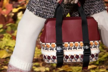 Moncler Gamme Rouge Fall 2017 Fashion Show Details