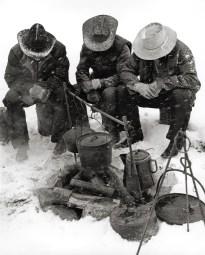 montana02,cowboys in snow