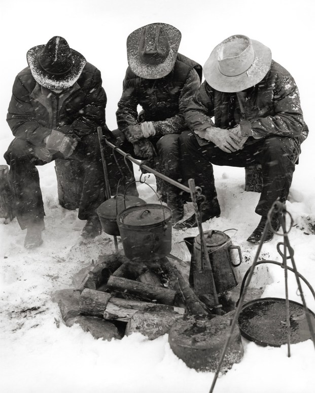 montana02,cowboys in snow