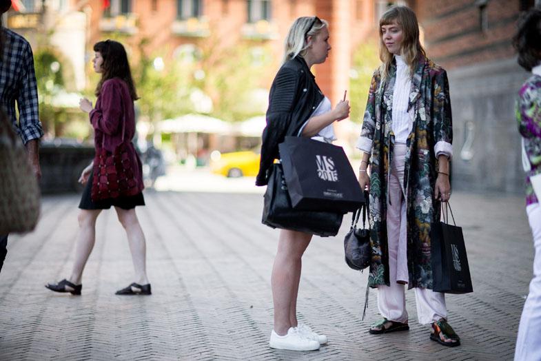 street-style-copenhagen-day-1-the-impression-020