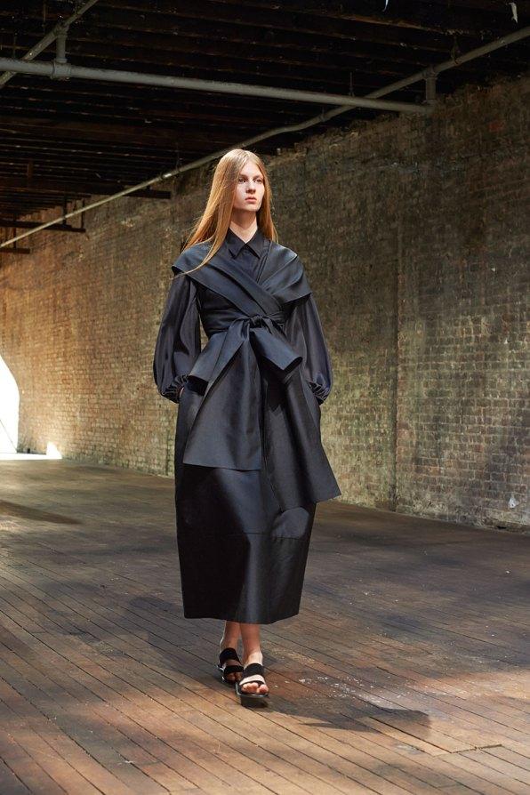 the-row-fashion-show-spring-2015-the-impression-016