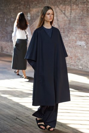 the-row-fashion-show-spring-2015-the-impression-0221