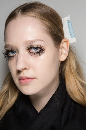 thomas-tait-spring-2016-beauty-fashion-show-the-impression-14