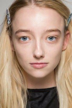 thomas-tait-spring-2016-beauty-fashion-show-the-impression-22
