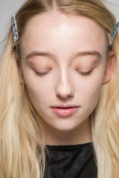 thomas-tait-spring-2016-beauty-fashion-show-the-impression-24