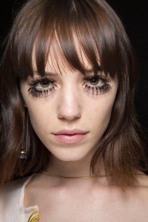 thomas-tait-spring-2016-beauty-fashion-show-the-impression-34