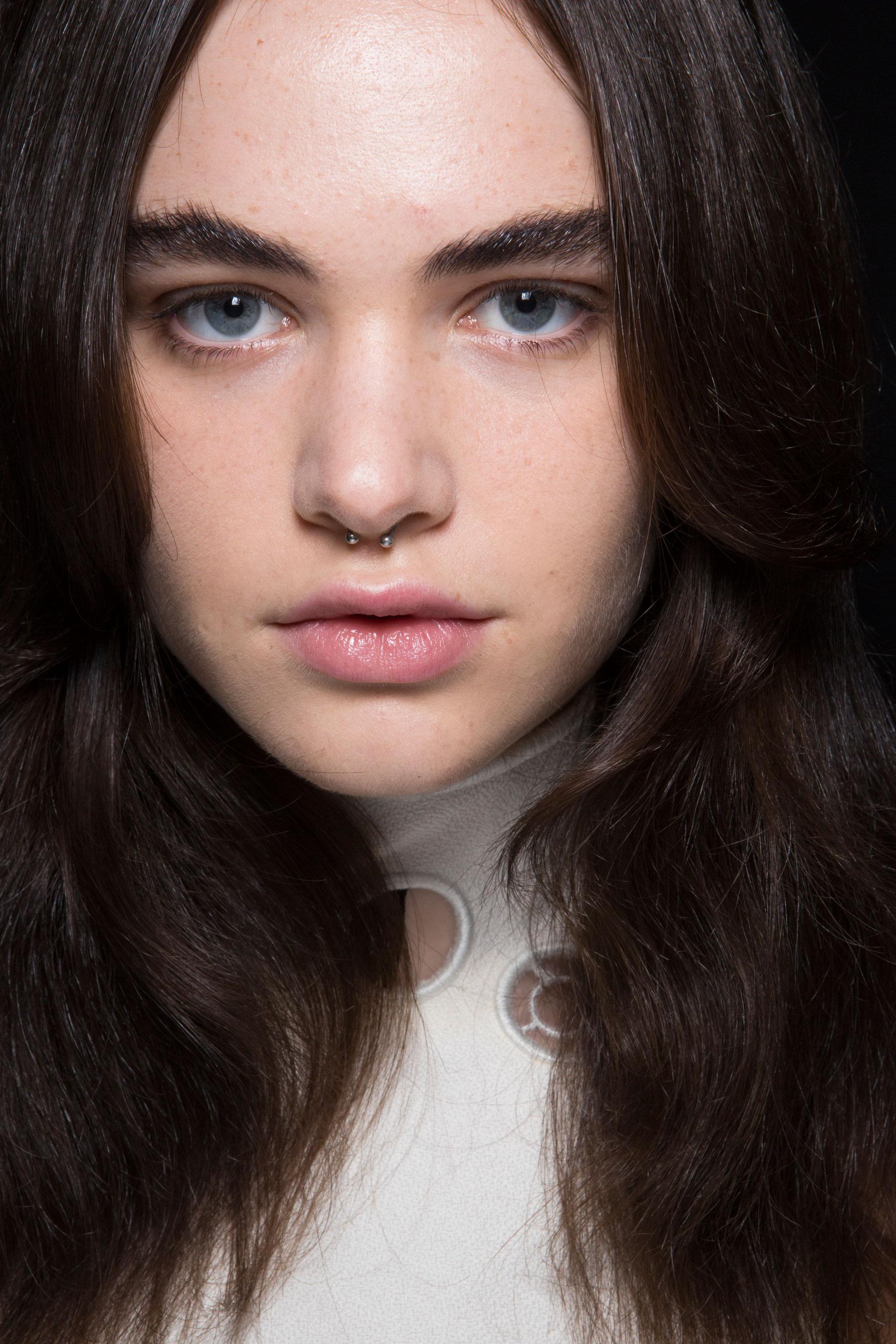 thomas-tait-spring-2016-beauty-fashion-show-the-impression-37