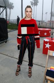 tommy-hilfiger-spring-2017-fashion-show-front-row-the-impression-001