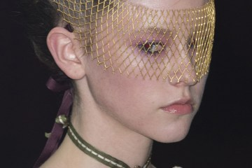 Undercover fall 2017 Fashion Show Beauty