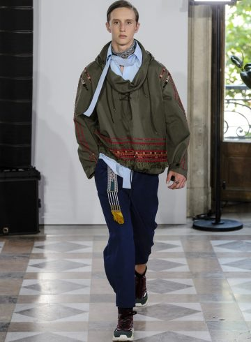 Valentino Spring 2018 Men's Fashion Show