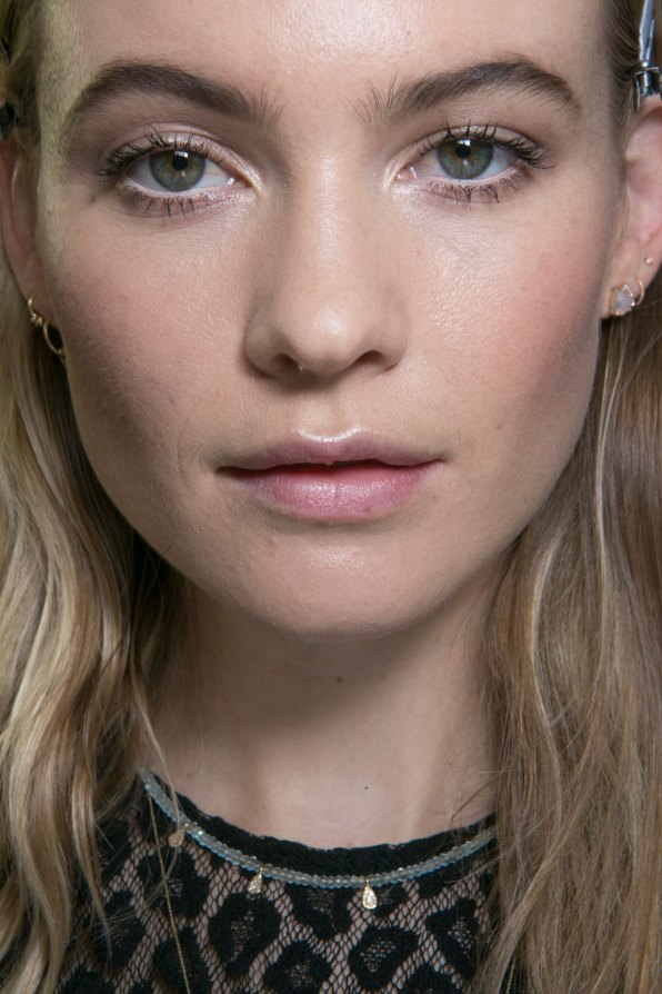 versace-backstage-beauty-spring-2016-fashion-show-the-impression-007