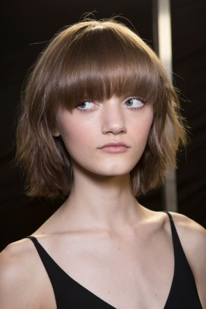 versace-backstage-beauty-spring-2016-fashion-show-the-impression-080