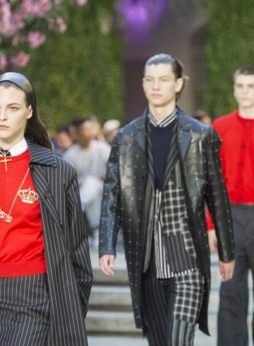 Versace Spring 2018 Men's Fashion Show Atmopshere