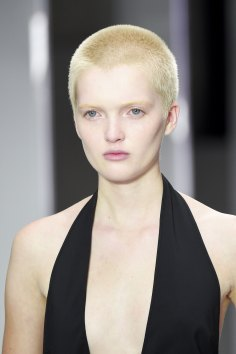 versus-runway-beauty-spring-2016-fashion-show-the-impression-007
