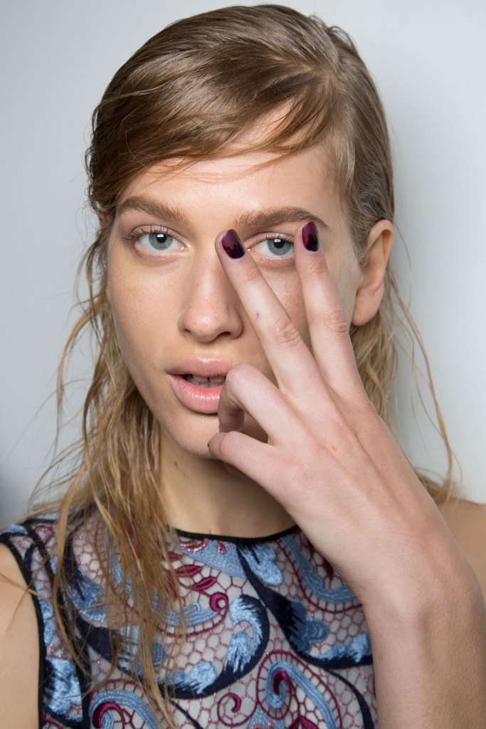wes-gordon-backstage-beauty-spring-2016-fashion-show-the-impression-30